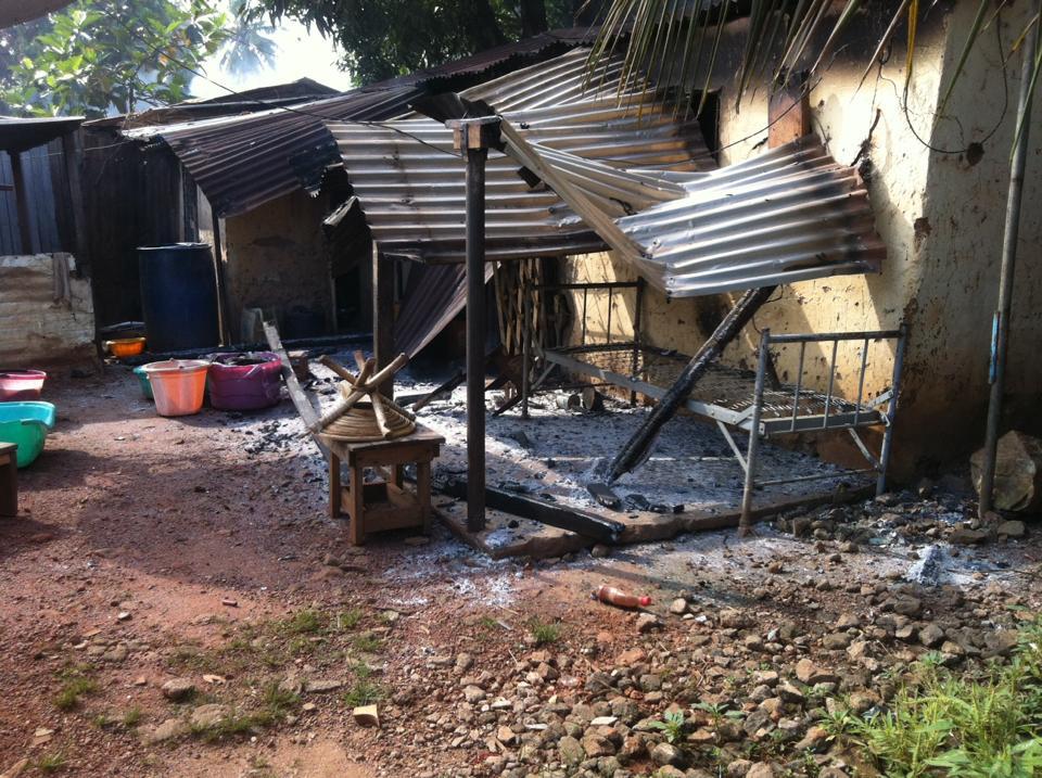 incendie de maisons / photo Elvis Pabanjdi