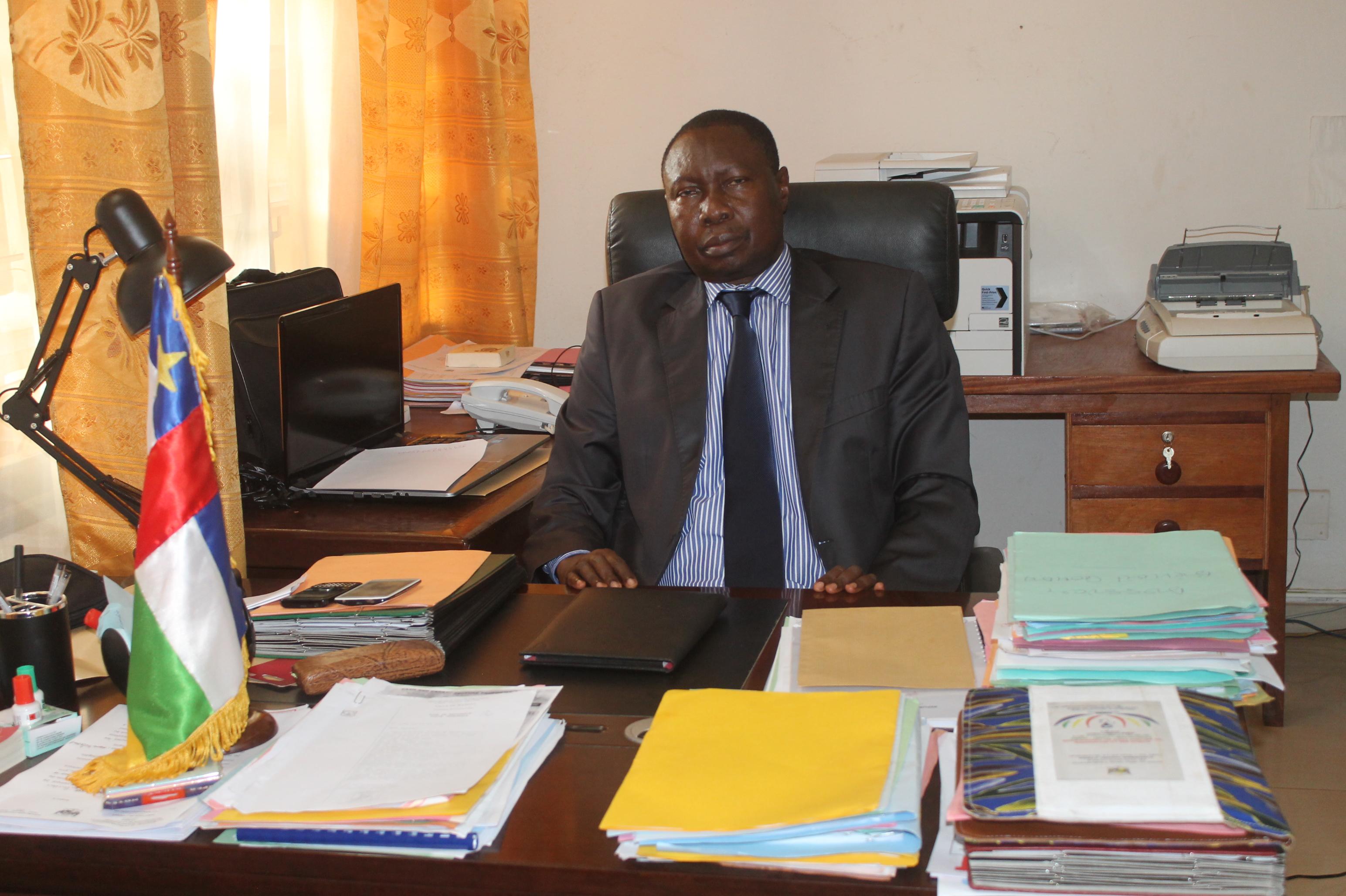 Le Ministre de la Communication Bruno YAPANDE/ @El Paco