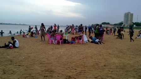 Centrafrique: Il n'y a pas que les images de guerre, Bangui aux allures de plage
