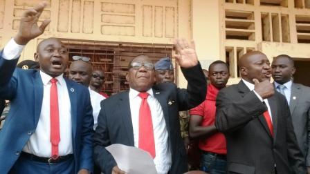 les trois leaders du comité@Eric Ngaba