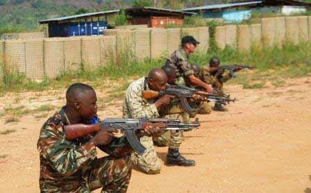 Les FACA en formation au Kamp Kassaî à Bangui@Eric Ngaba