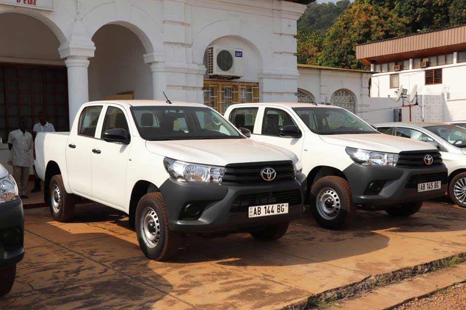 les véhicules remis à l'Université de Bangui