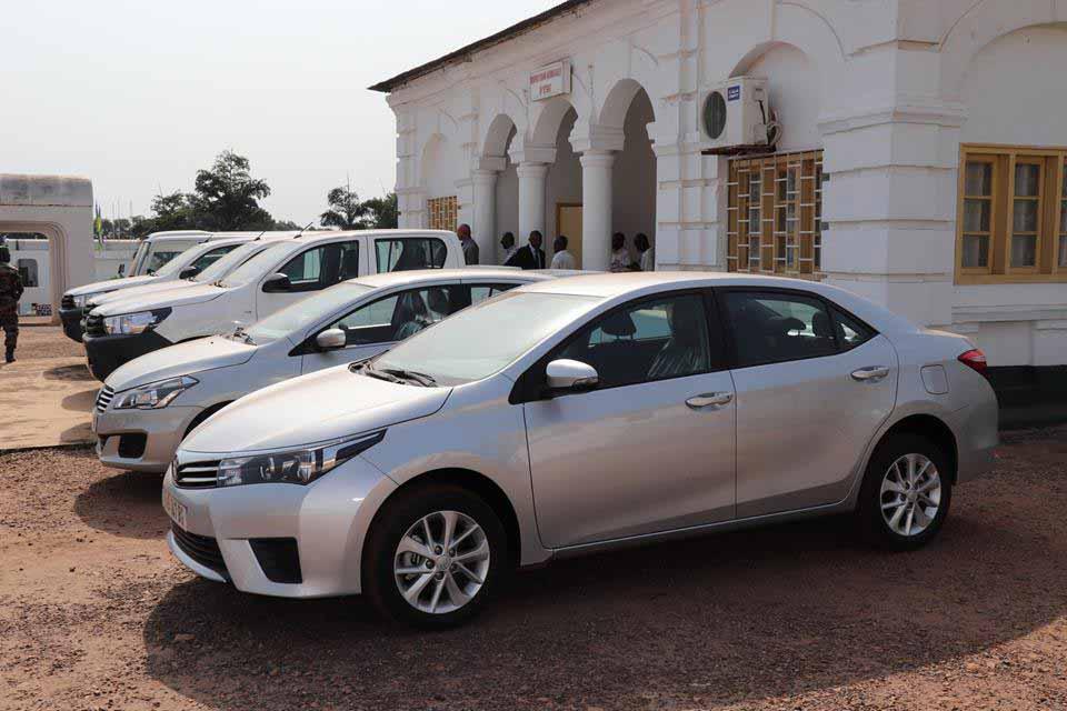 les véhicules remis à l'Université de Bangui@Presse presidentielle