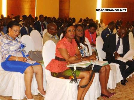 Une vue des participants aux travaux de symposium@Eric Ngaba
