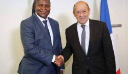 Centrafrique: Jean Yves Le Drian à Bangui en attendant Emmanuel Macron