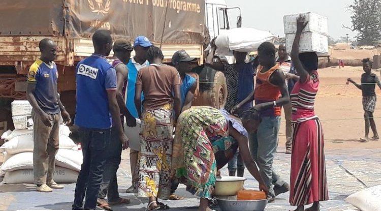 distribution des vivres aux victimes d'incendie à Kaga-Bandoro@photo PAM