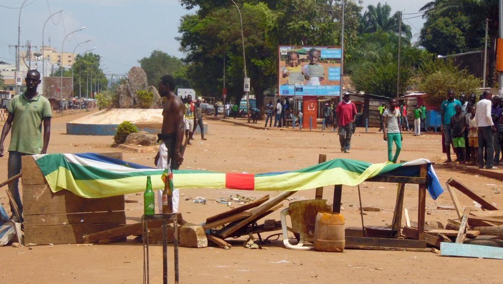 Une barricade lors d'une protestation à Bangui