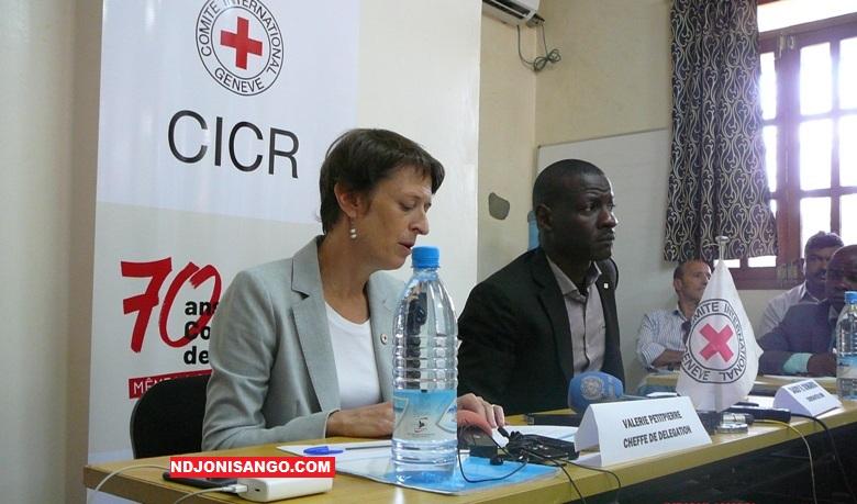 Valérie Petitpierre, cheffe de la délégation du CICR à Bangui, lors de la conférence de presse du lancement du concours média@photo Kizer Maïdou