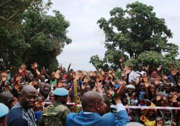 Le président centrafricain Faustin Archange Touadera face à la population de la Basse-kotto à Alindao