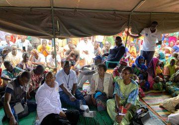 L'équipe gouvernementale et humanitaire avec les victimes de conflits à Birao