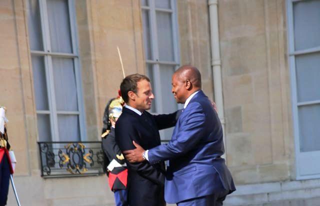 Les présidents français et centrafricain Emmanuel Macron et Fuastin Archange Touadera à Paris@photo La Renaissance