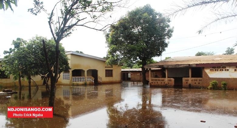 Vue des maisons englouties par les inondations à Bangui en RCA@photo Erick Ngaba