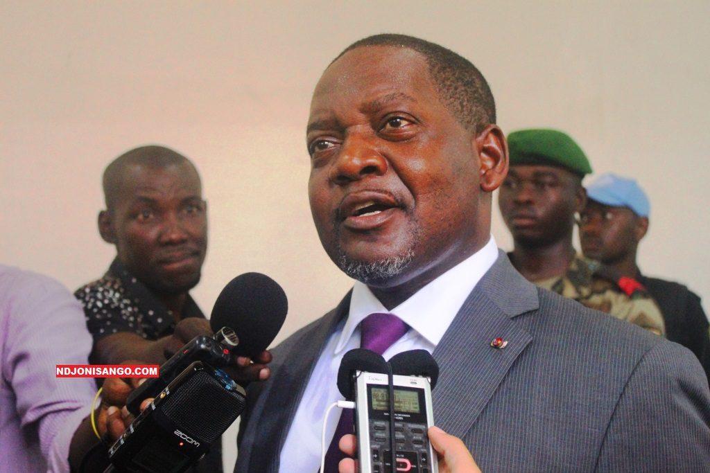 Le premier ministre Firmin Ngrebada au sortir de l'interpélation au parlement@photo Cyrille Yapendé