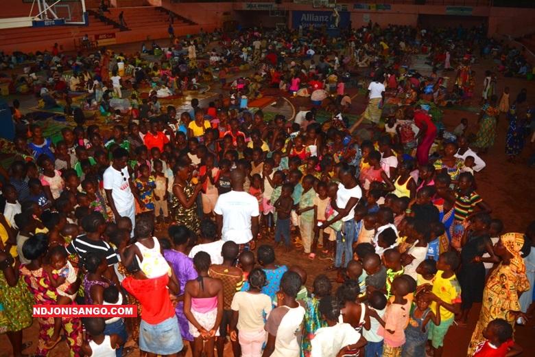 Des enfants sinistrés au palais de l'omnisport@Orphé Bamoy
