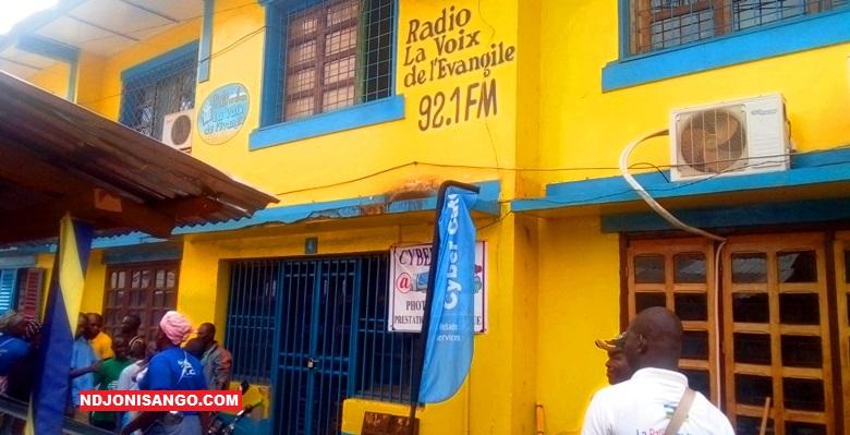 Le bâtiment abritant la radio voix de l'évangile@Fiacre Salabé