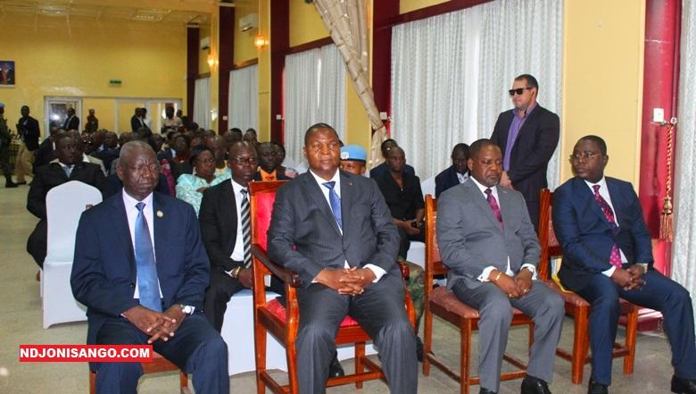 Les hautes autorités de la République centrafricaine durant le lancement du projet paiement mobile des salaires à l'hôtel Oubangui@Erick Ngaba