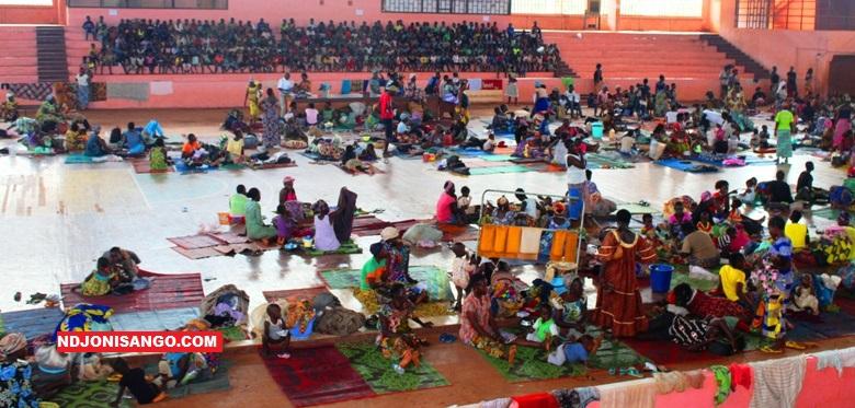 Les sinistrés de la catastrophe naturelle au centre sportif omnisport@photo Erick Ngaba