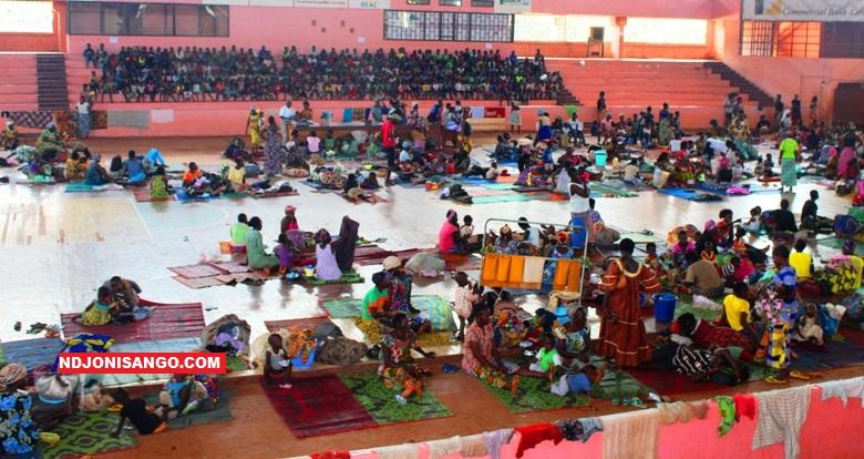 Les sinistrés vivant au palais de sport à Bangui@photo Erick Ngaba