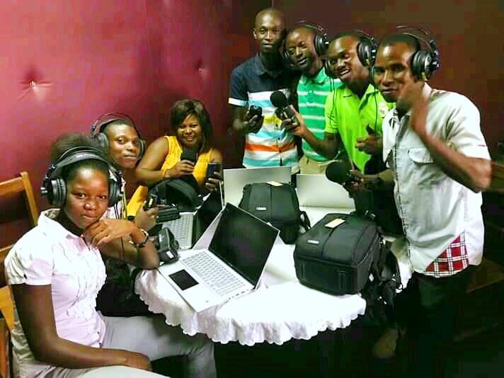 Des étudiants journalistes de l'Université de Bangui dans le studio de DSIC@photo page Facebook DSIC