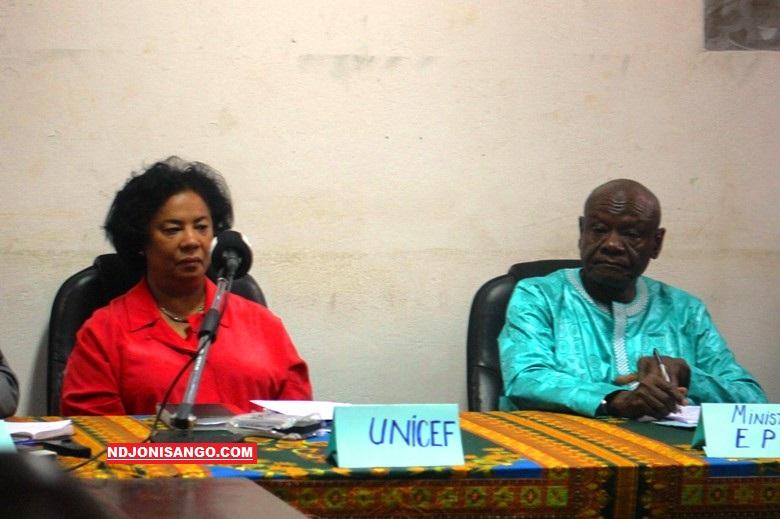 Le ministre de l'éducation nationale Moukadas Nour et la représentante de l'Unicef Patricia Bikha@photo Marly Pala