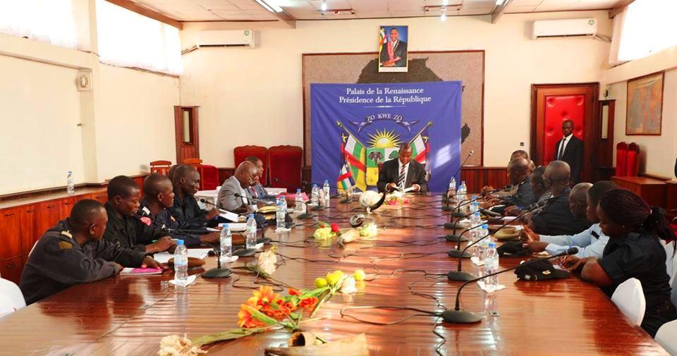 Rencontre du président Touadera avec le syndicat de la police à la présience
