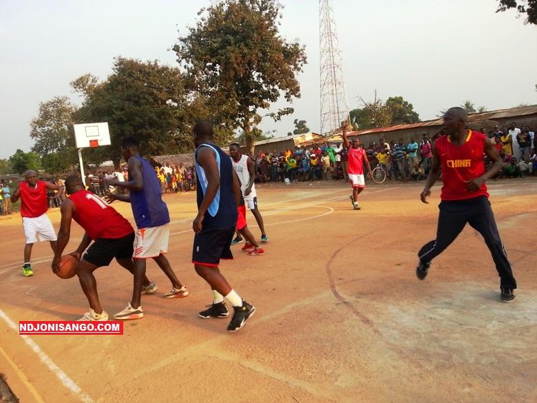 match de basketball des acteurs humanitaires à Alindao@photo Fiacre Salabé