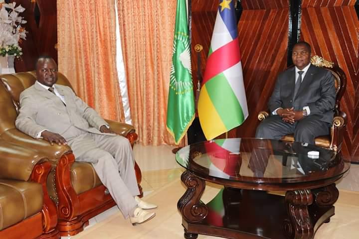 Tête à tête de l'ancien président de la transition Alexandre Ferdinand Nguendet avec le président de la République Faustin Archange Touadera à la présidence