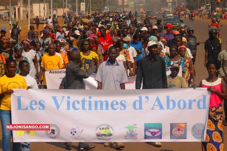 marche des vicitmes de conflit, sur l'avenue des Martyrs à Bangui@photo Marly Pala