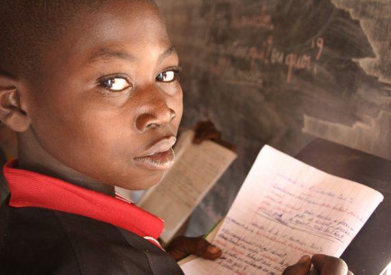 enfant-africain-à-lécole