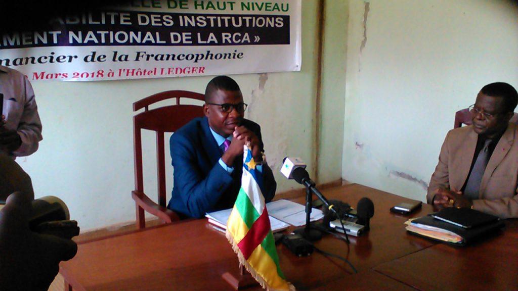 le ministre délégué Chancel Sekodé et son directeur de cabinet