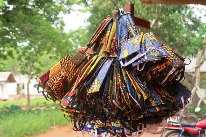 Centrafrique-masques-locaux-Ndjoni-Sango